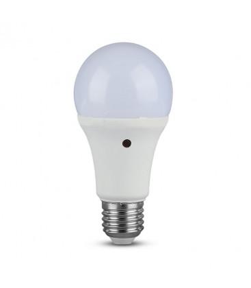 V-Tac 9W LED pære - Indbygget skumringssensor, A60, E27
