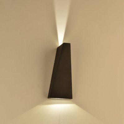 Image of   V-Tac 6W LED sort væglampe - Justerbar spredning, IP65 udendørs, 230V, inkl. lyskilde - Kulør : Neutral, Dæmpbar : Ikke dæmpbar